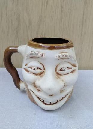 Чашка с надписью 100 грн