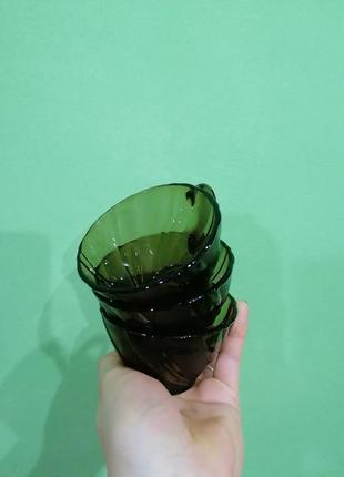 Скляні чашки вихрь