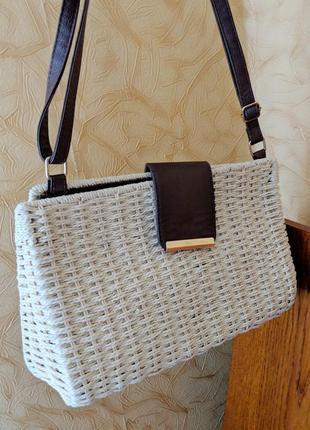 Соломенная соломяная винтажная плетенная бежевая сумка корзинка из ротанга клатч с ручкой