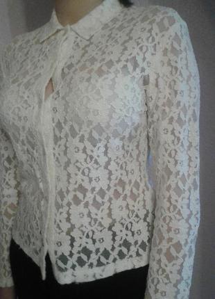 Белая кружевная блузочка