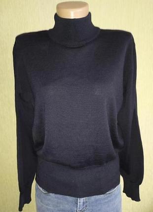 Escada фирменный шерстяной свитер,гольф,р.34-36