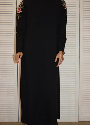 Макси платье с вышивкой  bwest