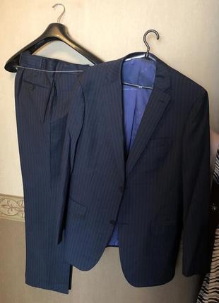 Супер костюм в идеальном состоянии, итальянского производства emilio guido
