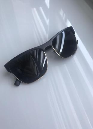 Солнцезащитные очки мужские hugo boss