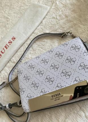Маленькая белая/серое лого сумка кросбоди guess