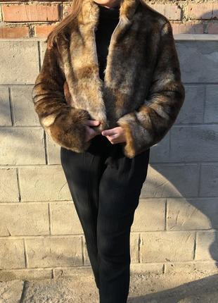 Крутая курточка шубка