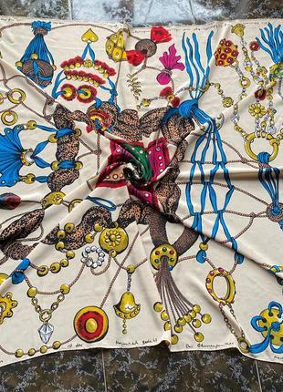 Огромный шелковый платок,каре en soie оригинал