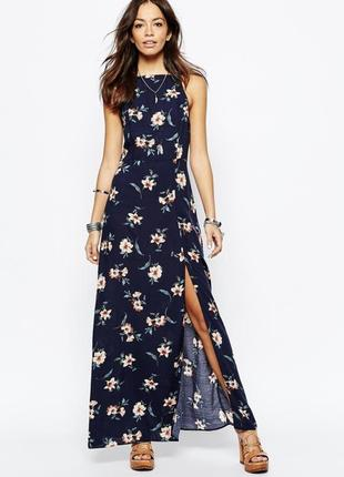 Шикарное макси платье в цветы с переплетом на спинке