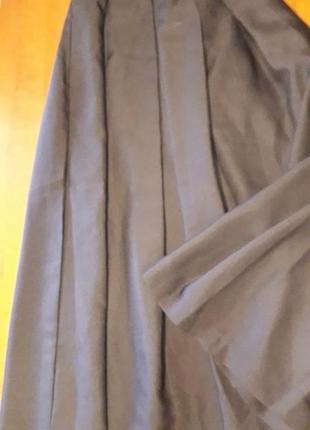 Эффектная черная юбка