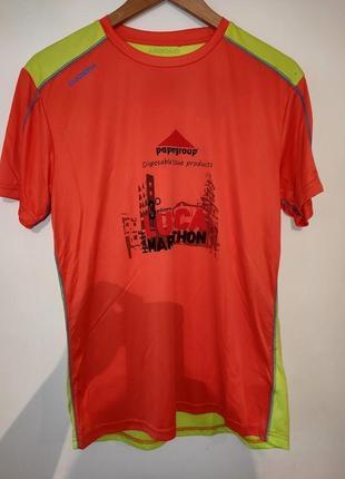Новая спортивная мужская футболка фирмы diadora