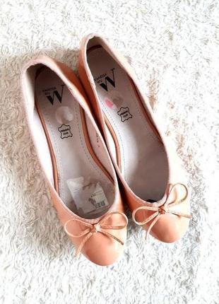 Vanessa wu модные лаковые балетки туфли бежевые персиковые р.38 24,5 см