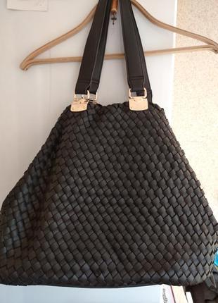 Очень вместительная и оригинальная сумка
