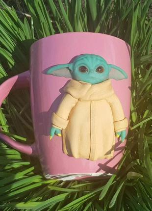 Кружка беби йода подарок чашка с декором ручной работы полимерная глина