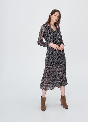 Актуальное платье миди плиссе