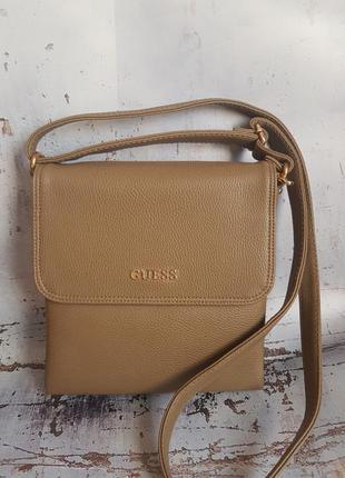 Женская сумка-клатч.