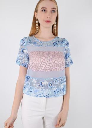 Нежная голубая футболка в цветочек topshop