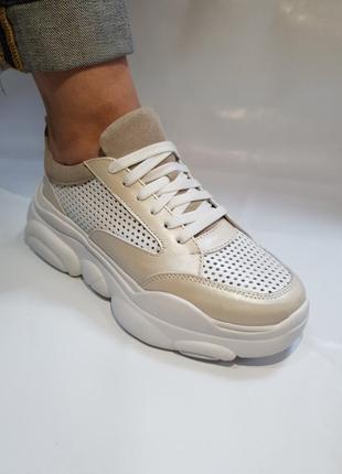 Кожаные облегченные кроссовки с перфорацией от производителя 36-40р шкіряні кросівки5 фото