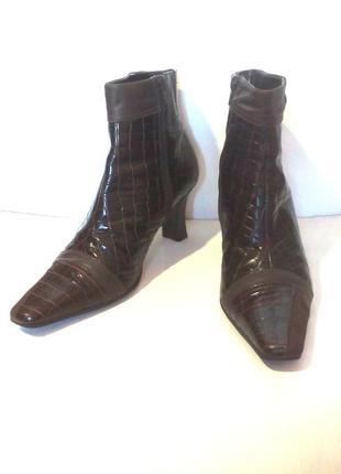 Лаковые кожаные ботильоны / ботинки от бренда clarks (k), р.40-41 код b4185