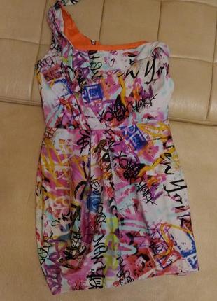 Яркое платье на одно плечо размер 12