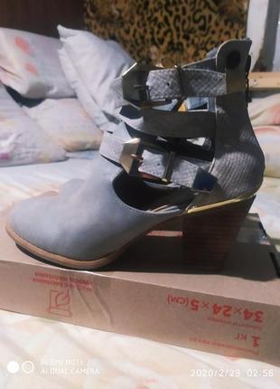 Классные весенее ботинки ботиночки сапожки сапоги весна