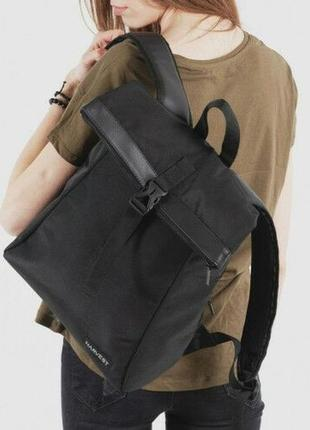 Небольшой черный женский рюкзак для города