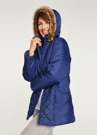 Демисезонная куртка с меховым капюшоном anne de lancay синтепон большой размер этикетка