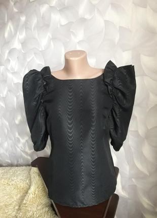 Блуза с объемными руковами