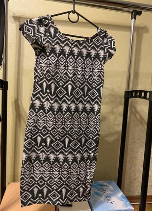 Платье в узор