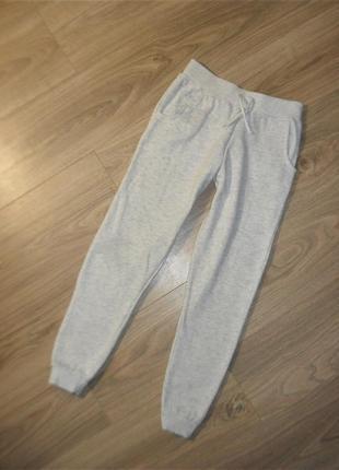 Спортивные штаны на 10-11лет