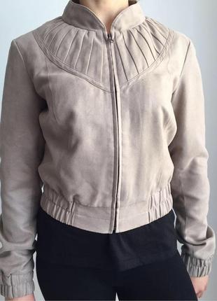 #розвантажуюсь куртка, укорочена куртка, вітровка, ветровка, косуха, бежева куртка.