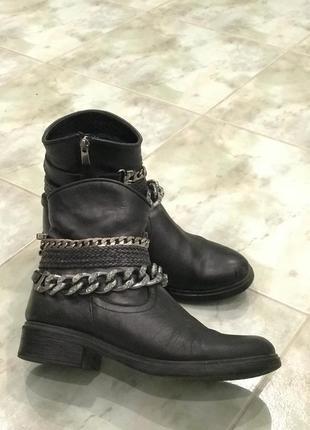 Кожаные ботинки estro