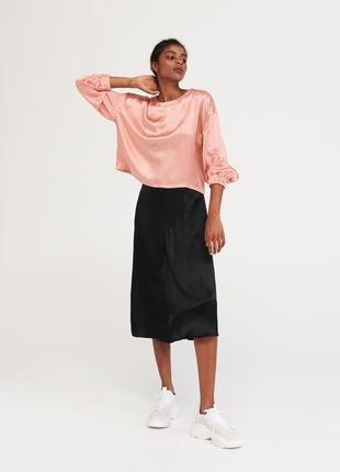 Красивая блуза атласная reserved