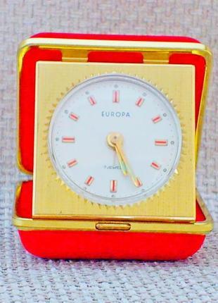 Часы будильник механические дорожные в футляре europa рабочие хорошее состояние германия