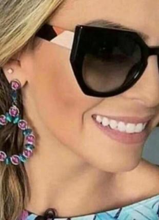 Солнцезащитные очки женские цветные дужки