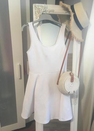 Нежное красивое белое платье, базовое короткое платье, сарафан