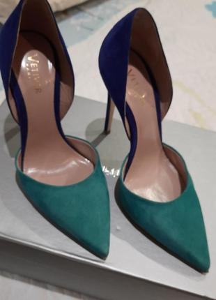 Туфли,замшевые,в идеальном состоянии,производство италия