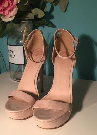 Туфли asos на высоком каблуке