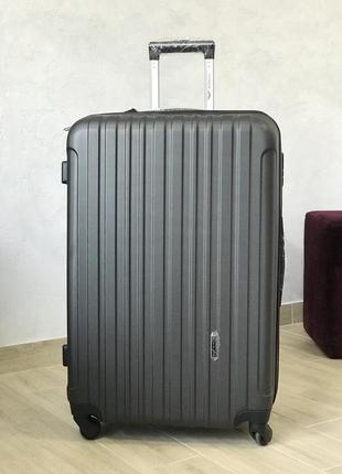 Большой чемодан пластиковый из поликарбоната / валіза велика пластикова з полікарбонату