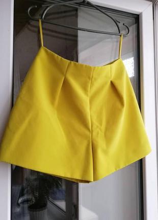 Шорты короткие жёлтого цвета женские