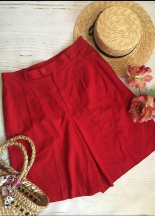 Яркие красные шорты высокая посадка