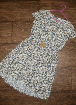 Летнее платье h&m с цветочным рисунком на 7-8 лет