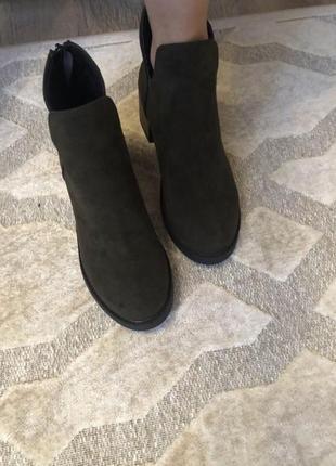 Удобные ботиночки цвета темный хаки. размер полномерный37. ботинки классные4 фото