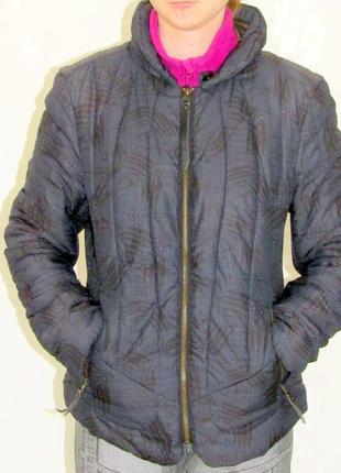 Короткая куртка ветровка