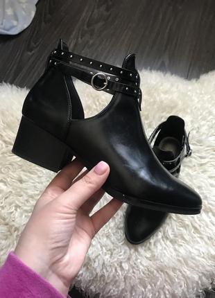 Короткие ботинки h&m