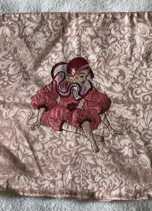 Наволочка с вышивкой 35*35 см