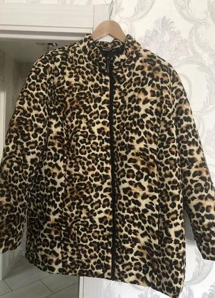 Курточка весна тигримтая