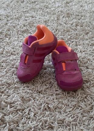 Зручні красовки, кросівки adidas 21 розміру.