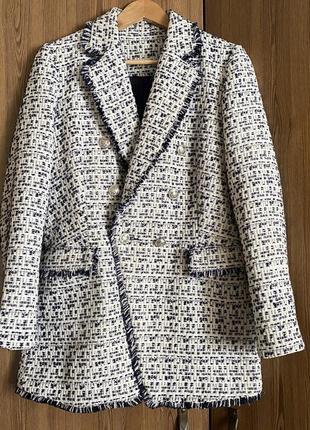 Шикарный твидовый пиджак с карманами