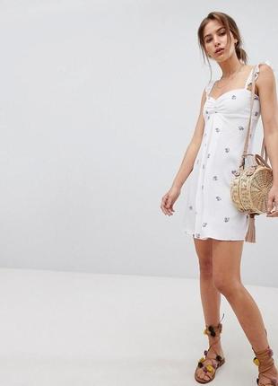 Белое нежное  платье бренда flynn (2404)