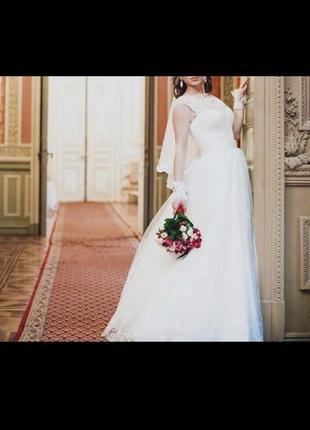 Свадебное платье из свадебного салона